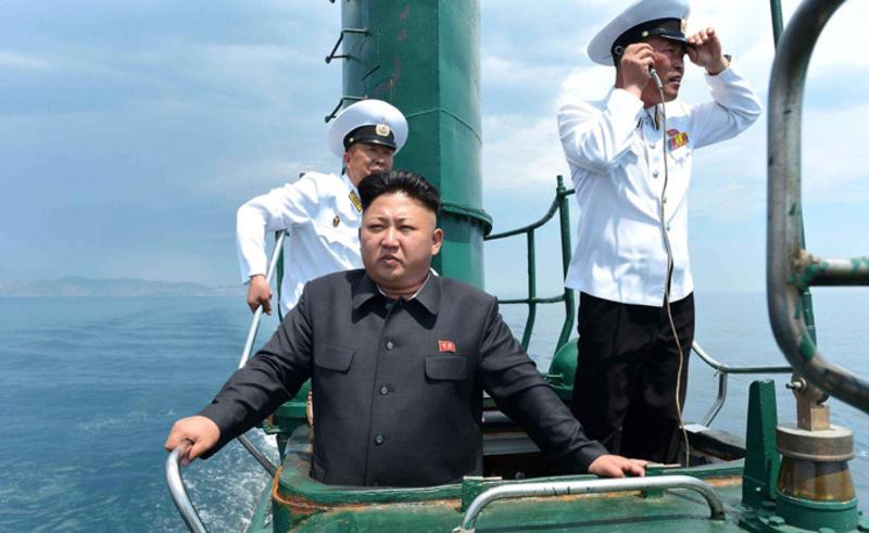 Ким Чен-Ун нислэгийн цэргийг удирдав