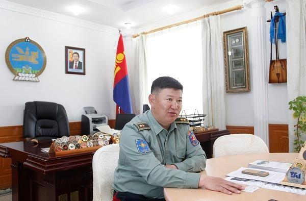 Генерал Б.Баярмагнай: Улс төрчид Сьерра леонд очоосой, баялгийн балгаас нь суралцаасай