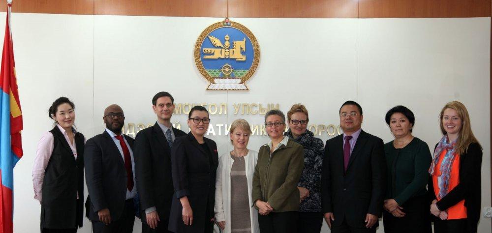 Үндэсний статистикийн хорооны дарга А.Ариунзаяа хамтран ажилладаг олон улсын байгууллагын төлөөллүүдтэй уулзлаа