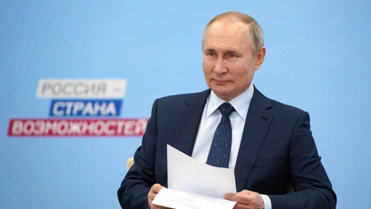 В.Путин: Ямар вакцин тарьсныг ганцхан эмч л мэдэж байгаа