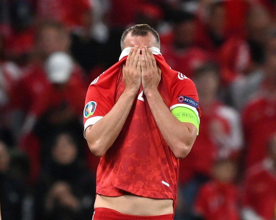 Евро-2020: Оросын шигшээ багийн ахлагч уучлалт гуйв