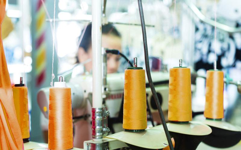 Үйлдвэрлэлийг дэмжиж эдийн засгаа хөгжүүлнэ