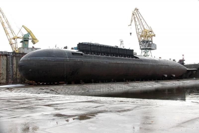 ОХУ дэлхийн хамгийн том атомын усанд шумбагч онгоц бүтээхээр зорьж байна