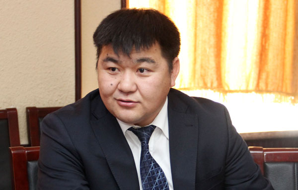 С.Чулуун