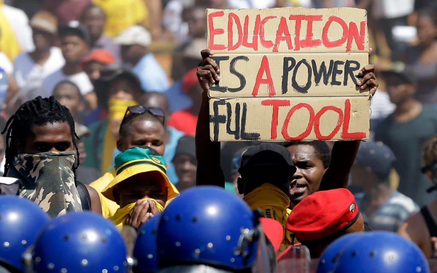 Африкийн сүйрэл буюу боловсролгүй Ерөнхийлөгчийн балаг