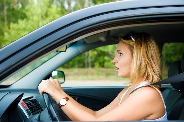 Хол замд машин жолоодож байх үед ядрах, нойр хүрэх үед дараах аргуудыг хэрэглэж ядаргаагаа тайлаарай