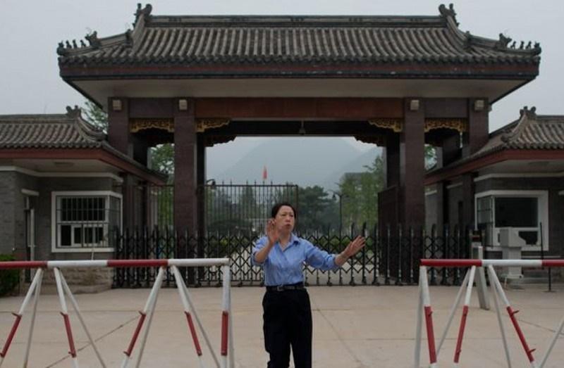 Хятадын авилгын хэрэгтнүүд шоронд жимс, ногоо тарьж байна