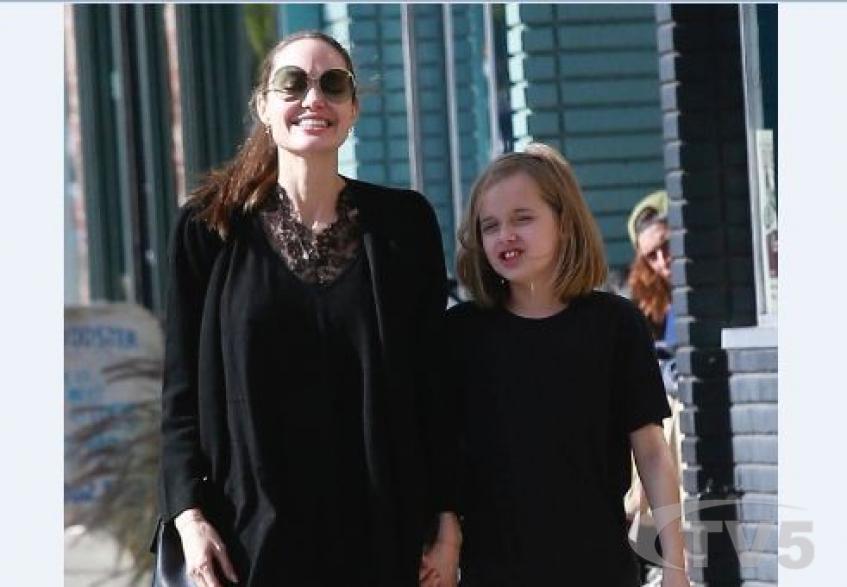 Аз жаргалтай ээж: Анжелина Жоли охин Вивьены хамт