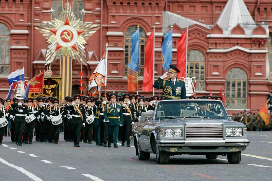 Улаан талбайд болсон цэргийн парад /видео/