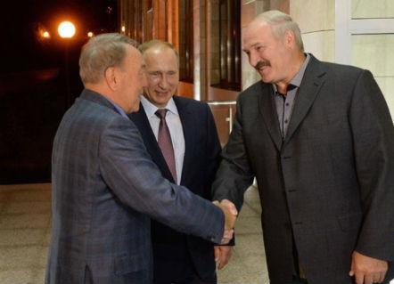 Хуурай сүүнээс болж Путин, Назарбаев, Лукашенко гурав