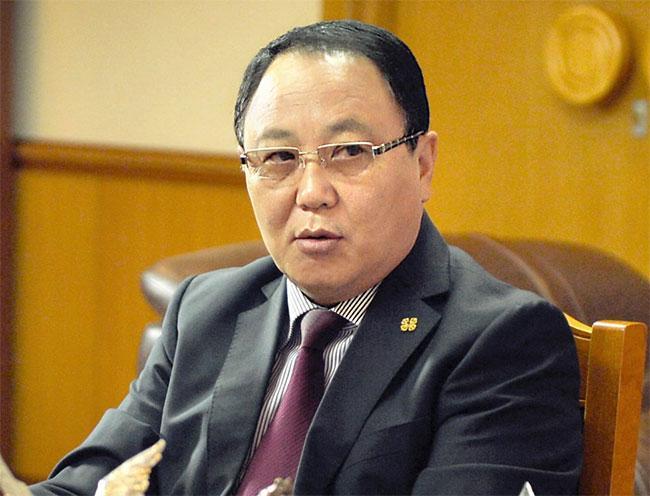 Ерөнхий прокурор асан Д.Дорлигжав 4 сая доллар авсан хэрэгт хариуцлага тооцох Хууль хяналтын байгууллага Монголд алга уу?