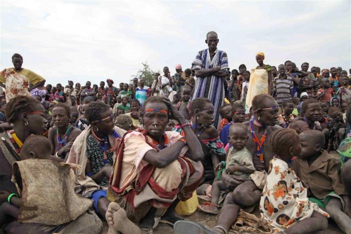 Африкийн цагаачдыг боол болгон худалдаж байгааг зогсоохыг уриаллаа
