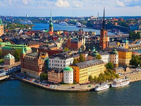 Швед цагдаа хууль бус цагаачдаа хөөж дийлэхгүй байна