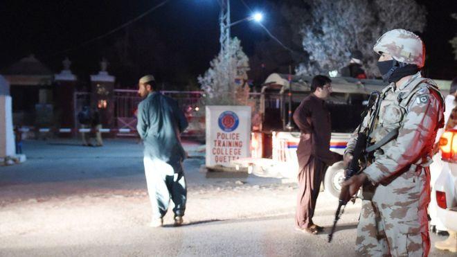 Пакистанд амиа золиослогч халдлага үйлджээ