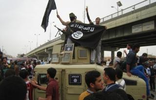 """""""Лалын улс""""-ын толгойлогчийн эхнэр террористуудад их хэмжээний мөнгө хүргэжээ"""