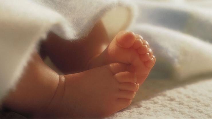 Хүүхдийнхээ хөлийг хүйтэн байлгах нь эрүүл мэндэд нь сайн