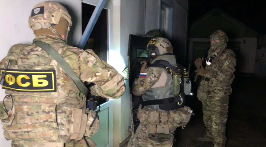 Крымд халдлага үйлдэх гэж байсан өсвөр насны хүүхдүүдийг баривчилжээ