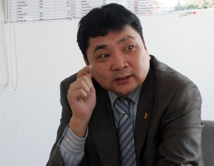 Хятадын эмнэлэгээс Монголын хуулийн байгууллагад нөлөөлж Л.Гансүхийг суллуулна гэнэ үү!!!