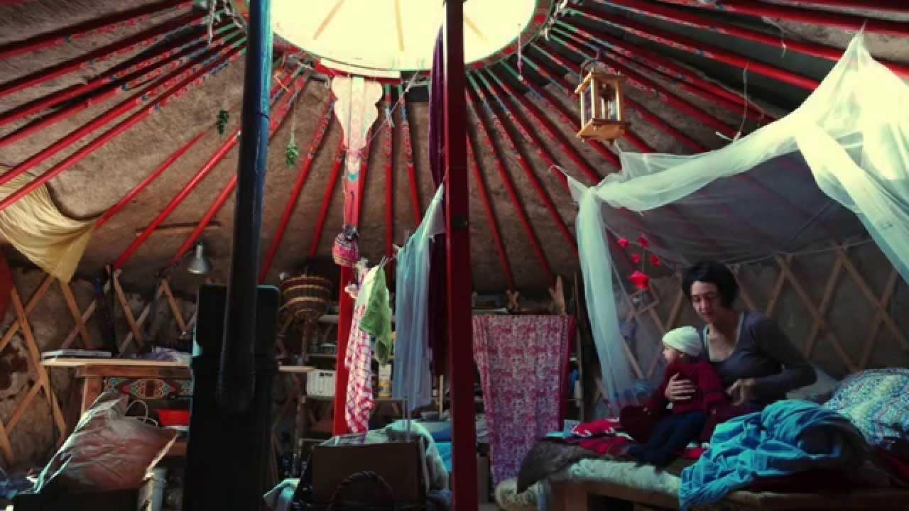 Монгол гэрт амьдардаг Герман гэр бүл