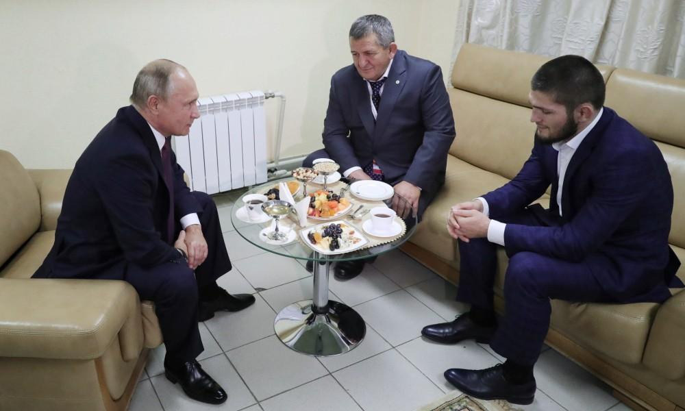 Путин UFC-н шинэ аваргыг хатуу шийтгэхгүй байхыг гуйжээ