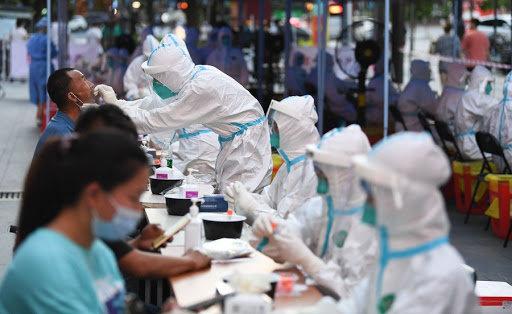 COVID-19: Гуанжоу хотод 11 тохиолдол илэрсэнтэй холбоотойгоор бүх хүнээс шинжилгээ авна
