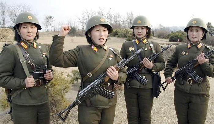 Хойд Солонгосын эмэгтэйчүүд цэргийн алба хаана