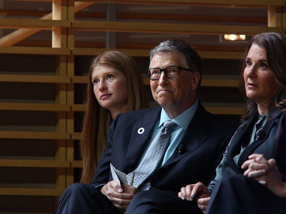 Билл Гейтсийн охин ЖЕННИФЕР: Манай гэр бүл хүнд үеийг туулж байна