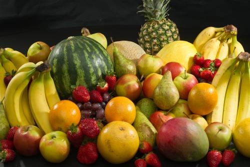 Алим жимсээ гадаадаас зөөсөөр байх уу?