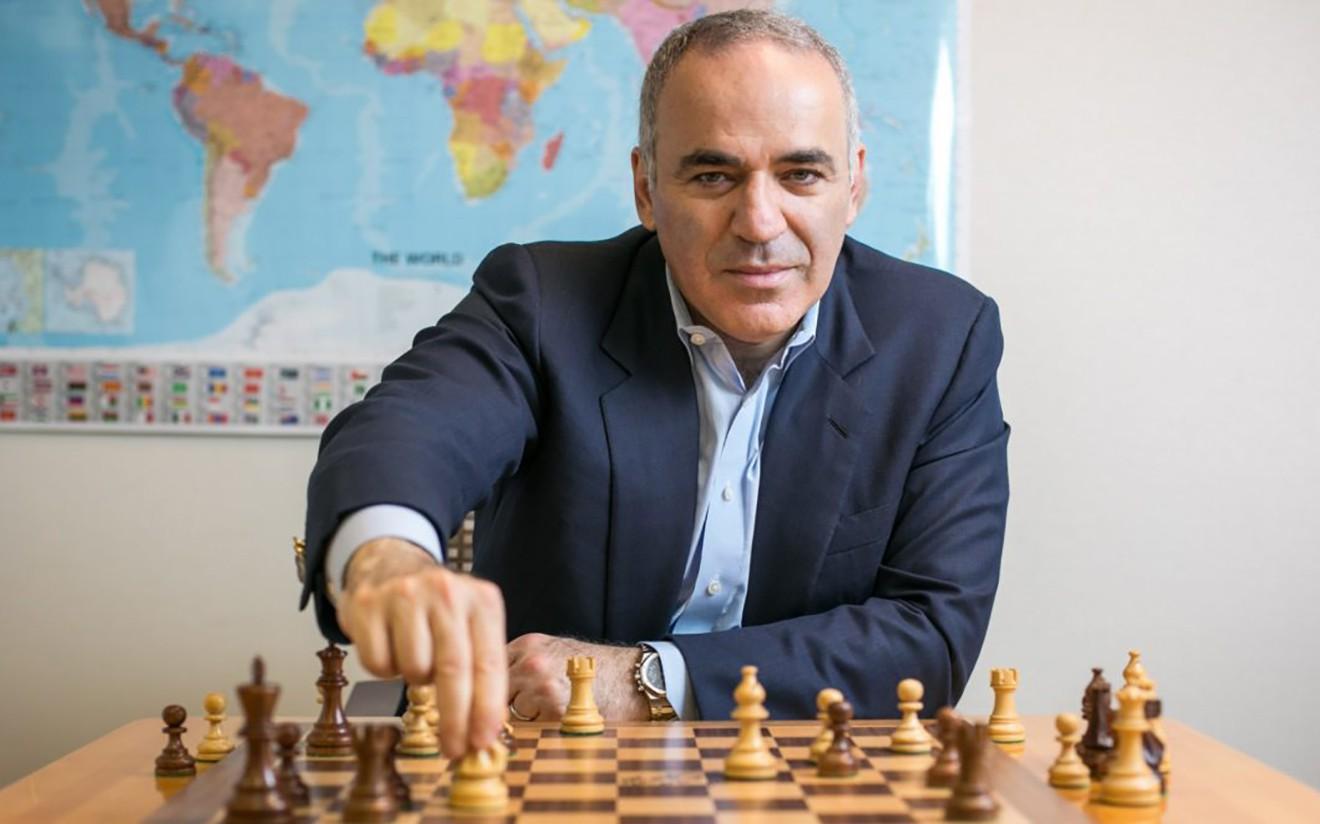 Гарри Каспаров: Покер сайн тоглодог хүн математиктаа ч сайн байдаг бол шатар тийм биш
