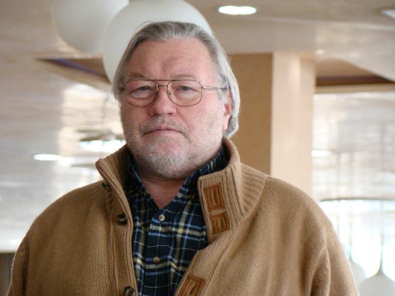 Юрий Кручкин (Монгол судлаач): Монголын тѳрийн албан хаагчид монголоороо ч бичиж чаддаггүй