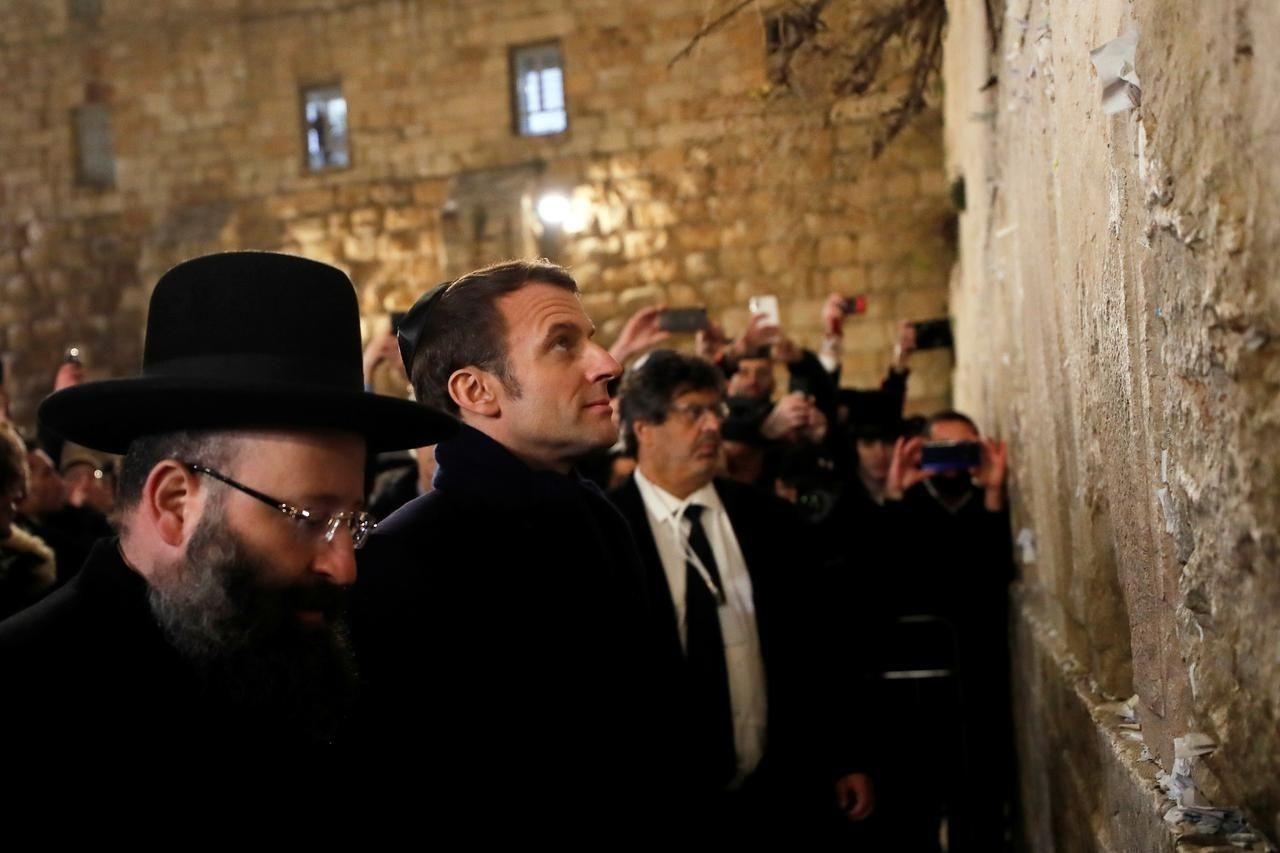 Францын ерөнхийлөгч Израйлийн хамгаалалтын албаныхантай маргалджээ