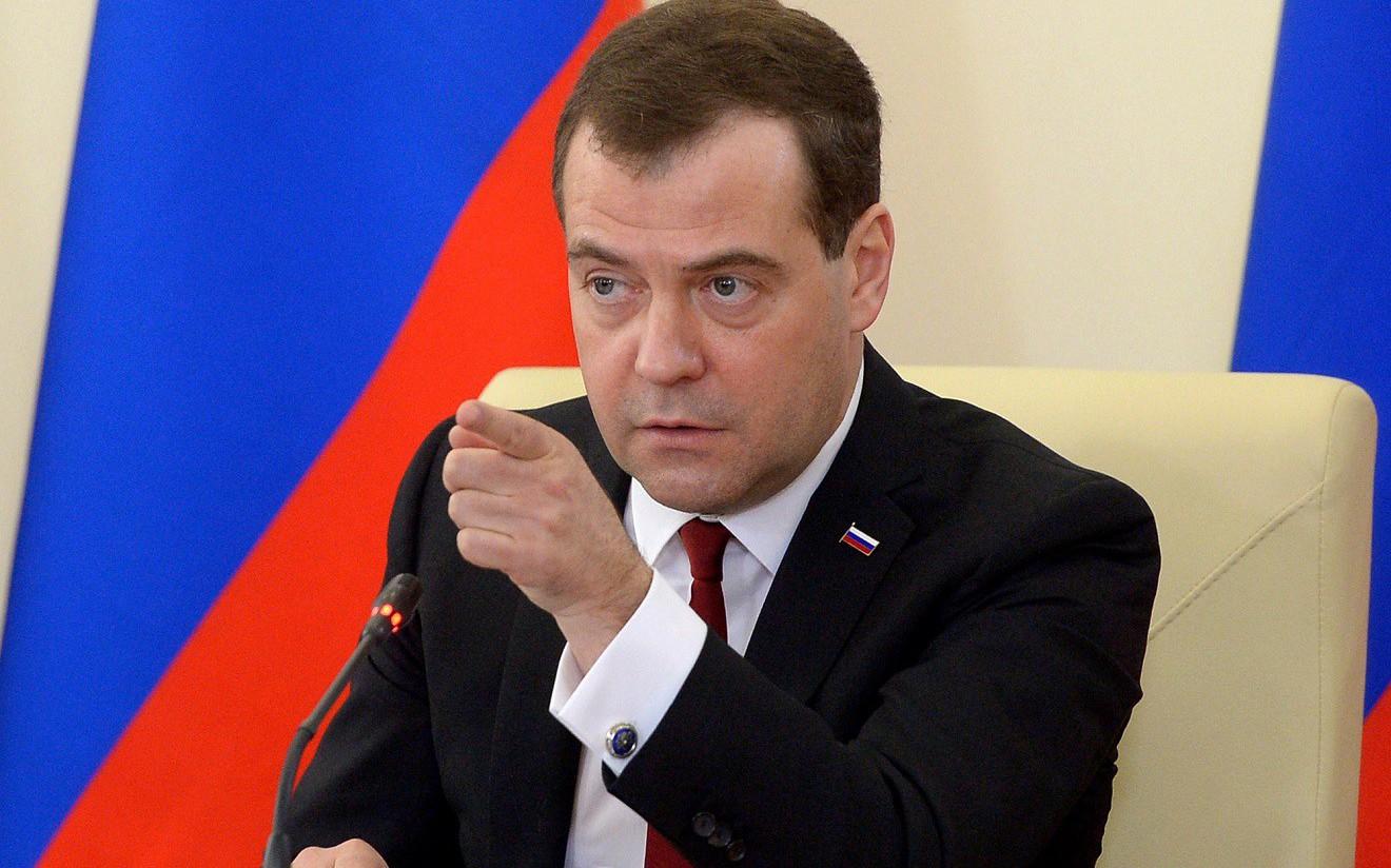 Дмитрий Медведев долоон жил Ерөнхий сайдаар ажиллахдаа Оросын нийгэм, эдийн засгийг ингэж өөрчилжээ