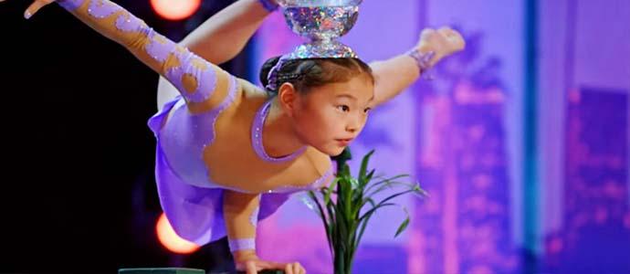 АНУ-д Монголоо сурталчилж, дэлхий дахинд авъяасаа гайхуулж яваа Б.Марал охины үзүүлбэр