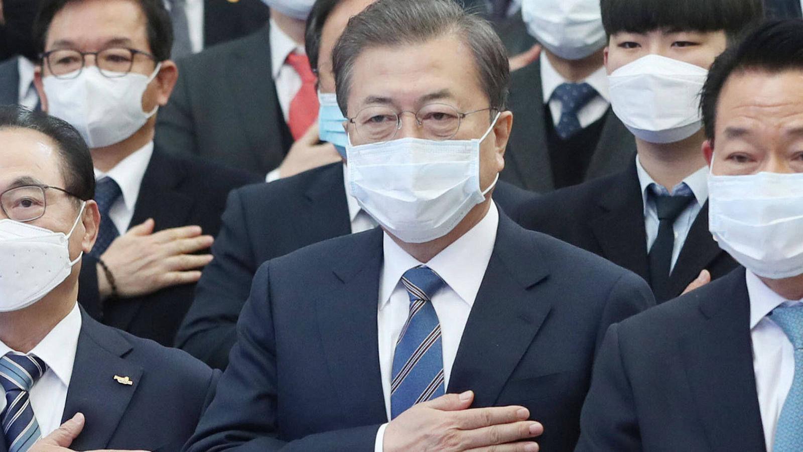 Өмнөд Солонгосын засгийн газар өөрийн иргэдэд бэлэн мөнгө тараах болсныг зарлалаа