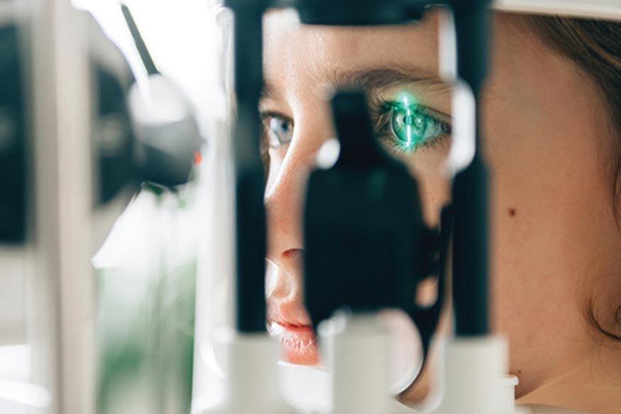 Хиймэл оюун нүдний өвчнийг эмчээс илүү оношилно
