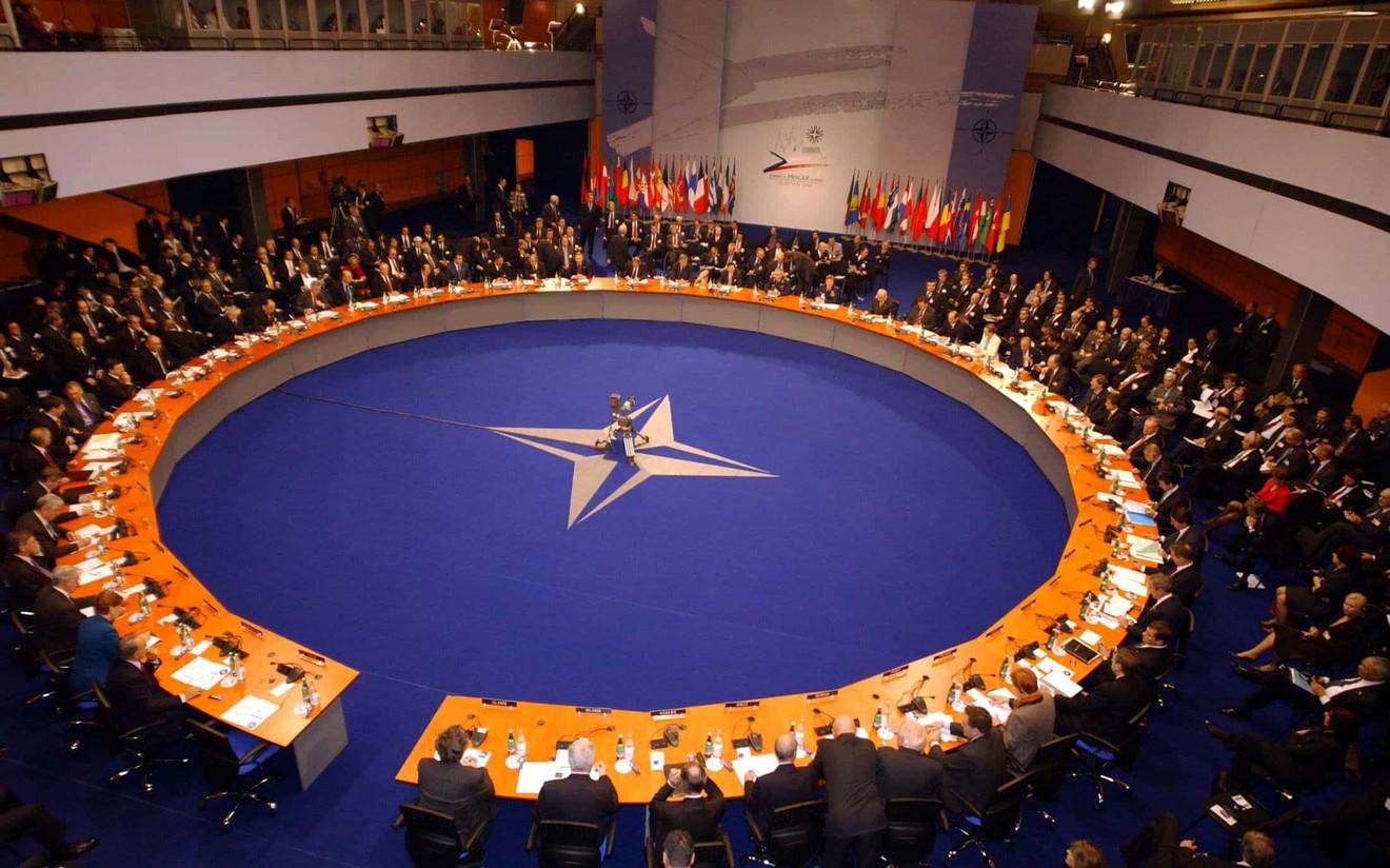 Сара Рейне: НАТО Хятадын эсрэг хүчээ нэгтэхийг уриалж байгаа нь өөрсдөд нь халгаатай