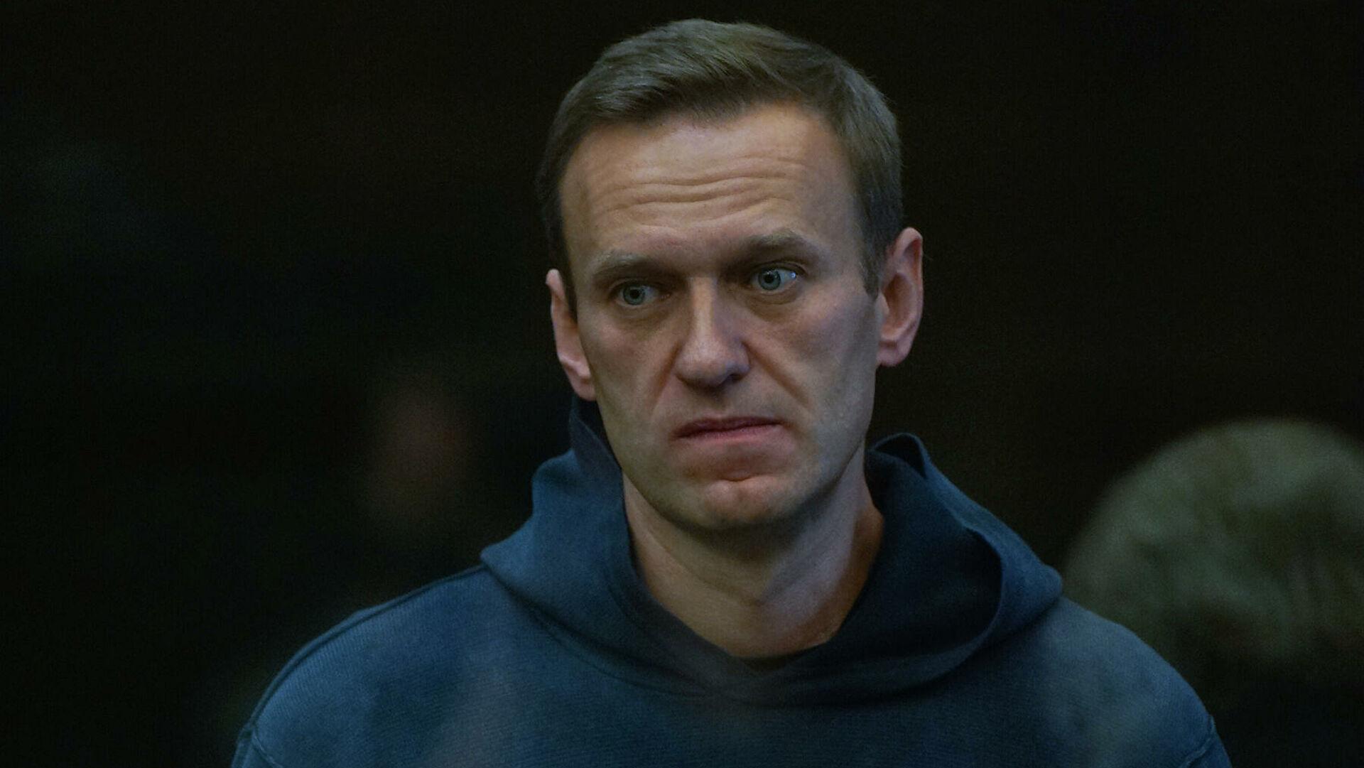 Навальныйг 30 хоног баривчлан саатуулахаар болжээ