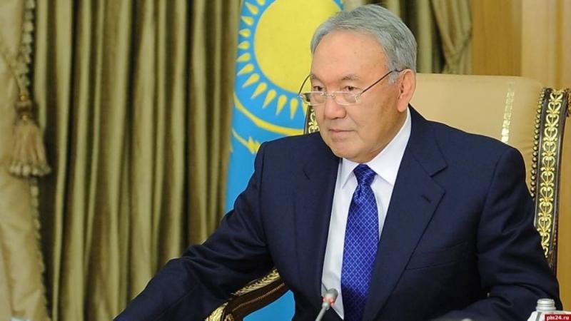 Явна, гэхдээ үлдэнэ. Назарбаевын мэдэгдэл юуг өгүүлнэ вэ