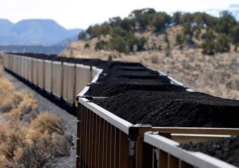 БНХАУ, Хойд Солонгост худалдааны хориг тавьснаас Монголын нүүрсний экспорт нэмэгджээ