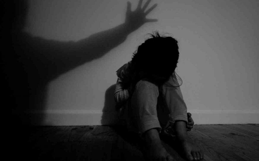 Хүчирхийлэлд өртсөн гуравдугаар ангийн охин сэтгэлзүйн цочролоос болоод ярьж чадахгүй болжээ
