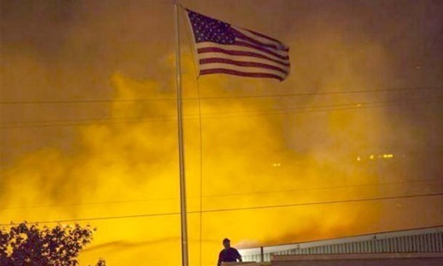 Калифорнид дэгдээд буй гал түймрийн утаа сансраас ч харагдаж байна