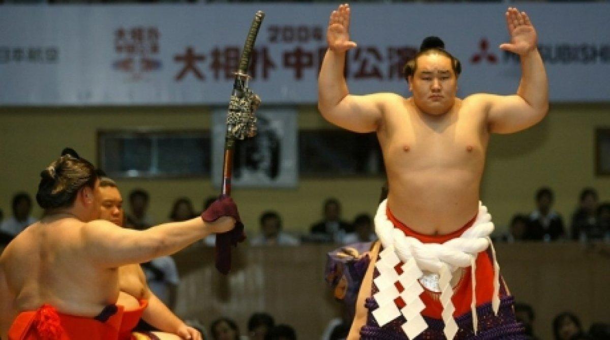 Асашёорюүгийн япончуудыг авч шидэлж, талаар нэг тараасан бичлэг