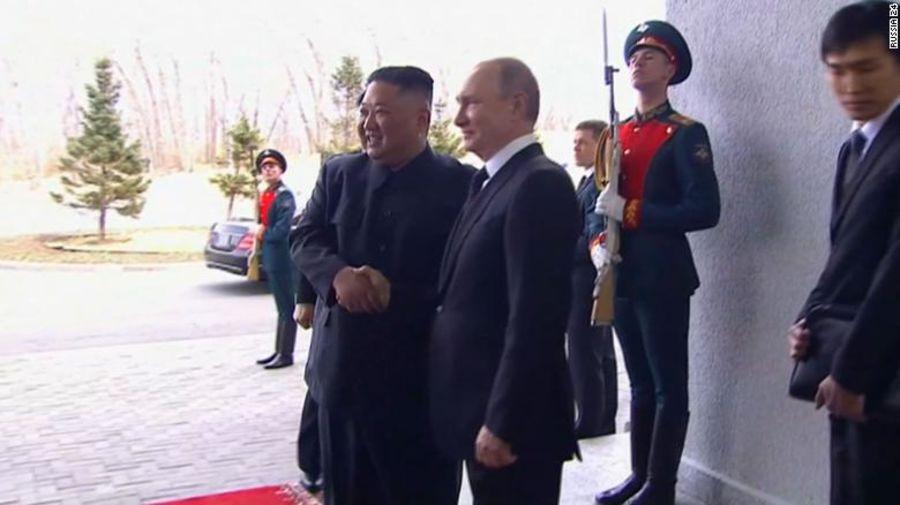 Ким Жон Ун, Владимир Путин нарын албан ёсны уулзалт эхэллээ