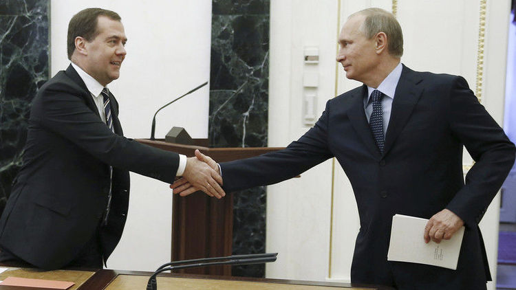 Путин: Засгийн газрыг огцруулах талаар Медведевтэй урьдчилан ярилцчихсан байсан