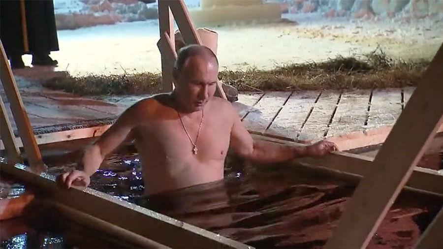Владимир Путиний зурагтай календарь борлуулалтаараа Японд тэргүүлж байна
