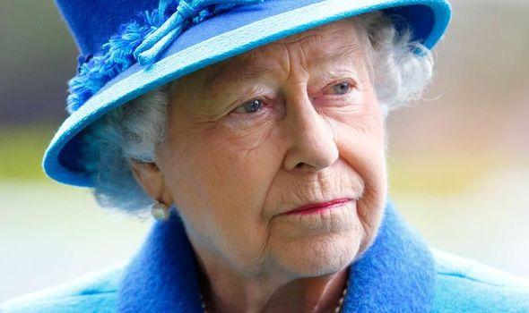 Хатан хаан Элизабет маргааш хунтайжтай салах ёс гүйцэтгэнэ