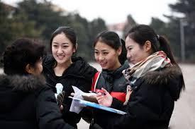 Гадаадад зорчиж буй Хятад иргэдийн тоо 100 сая давжээ