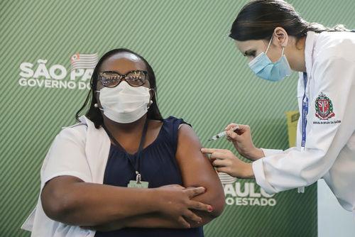 Бразил улс Хятадын вакцинг хэрэглэв