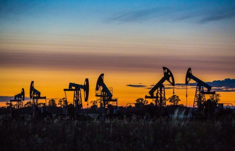 Нефтийн бүтээгдэхүүний үнэ буурсаар
