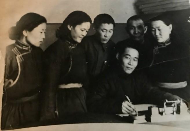 Монгол Ардын Хувьсгалт Намын хорооны дарга асан С.Ширчинжав ба түүний товч намтар